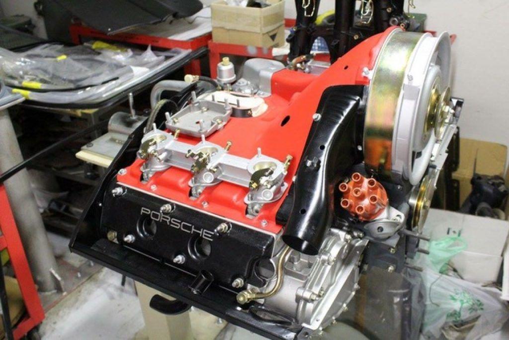 auto-classic-porsche-motore-engine