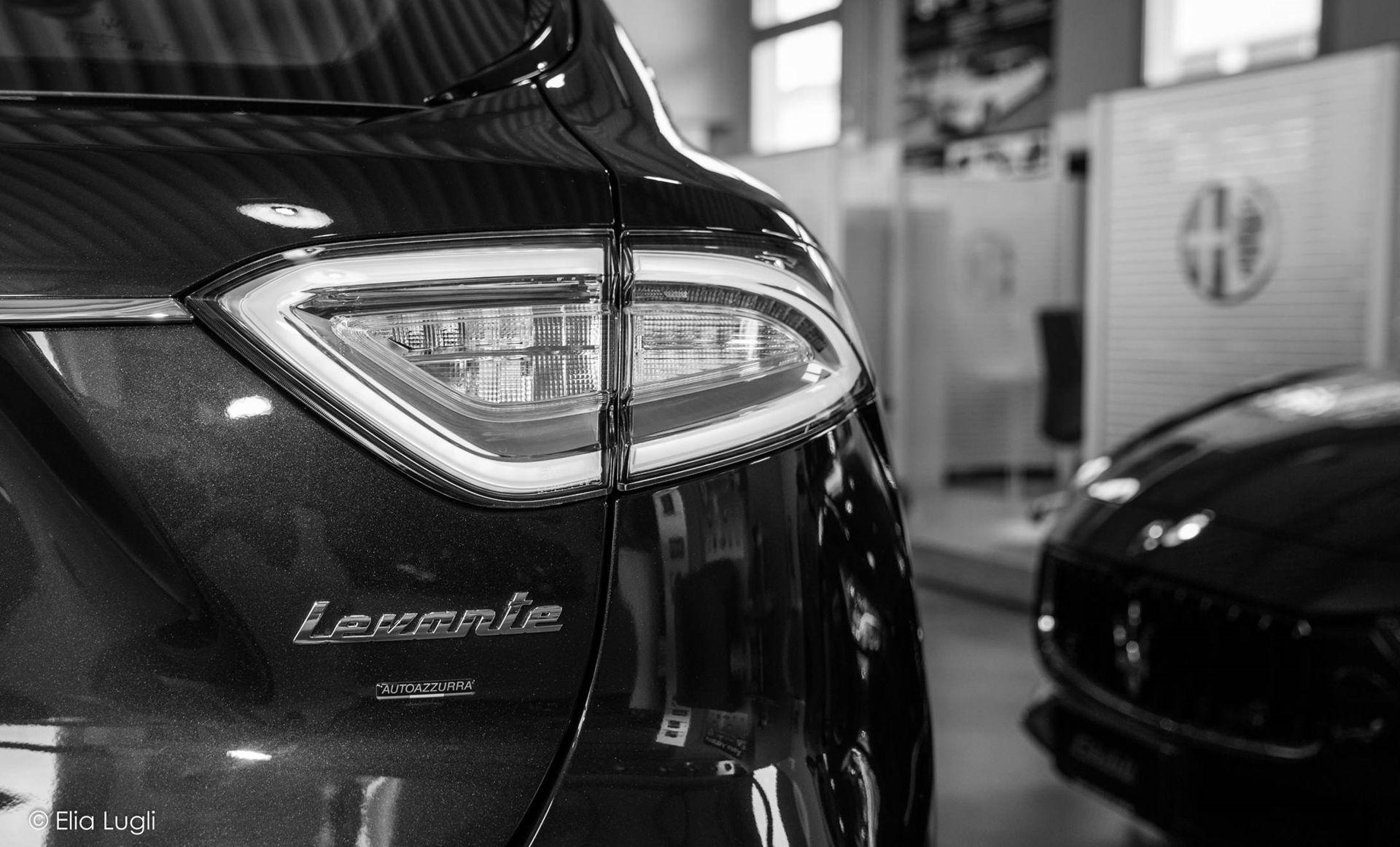 Maserati Auto Azzurra