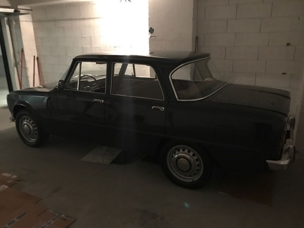 alfaromeo-classic-car